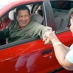Hugo Chavez en Carro